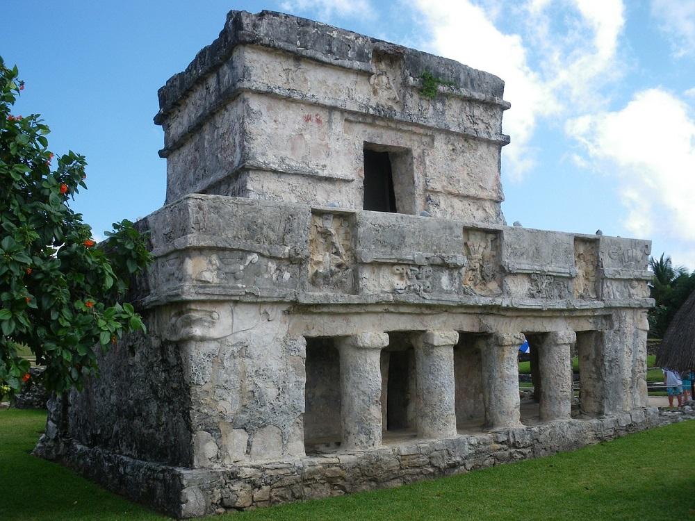 mayan ruins on the yucatan, tulum